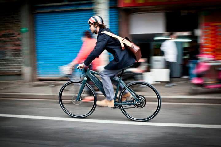 Cómo frenar adecuadamente una bicicleta eléctrica