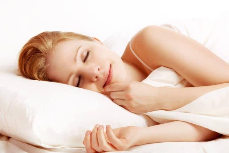 Hábitos que debes seguir para dormir bien y ser productivo