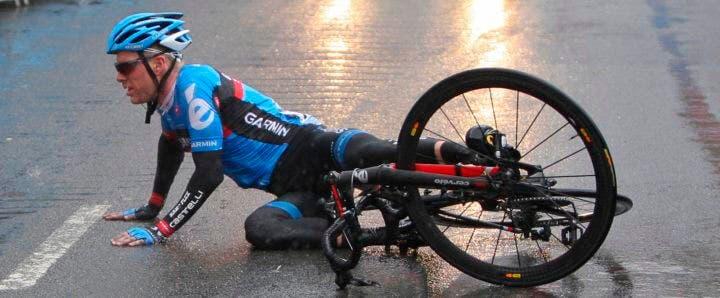 ¿Se puede montar en bicicleta con dolor de cabeza?