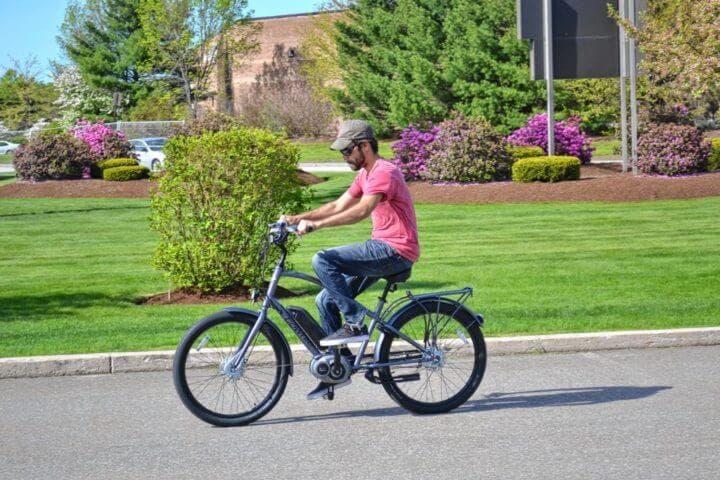 Cómo manejar adecuadamente una bicicleta eléctrica