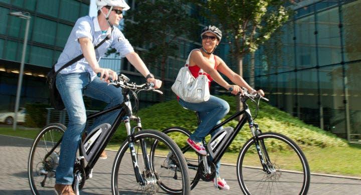Guía para montar en una bicicleta eléctrica