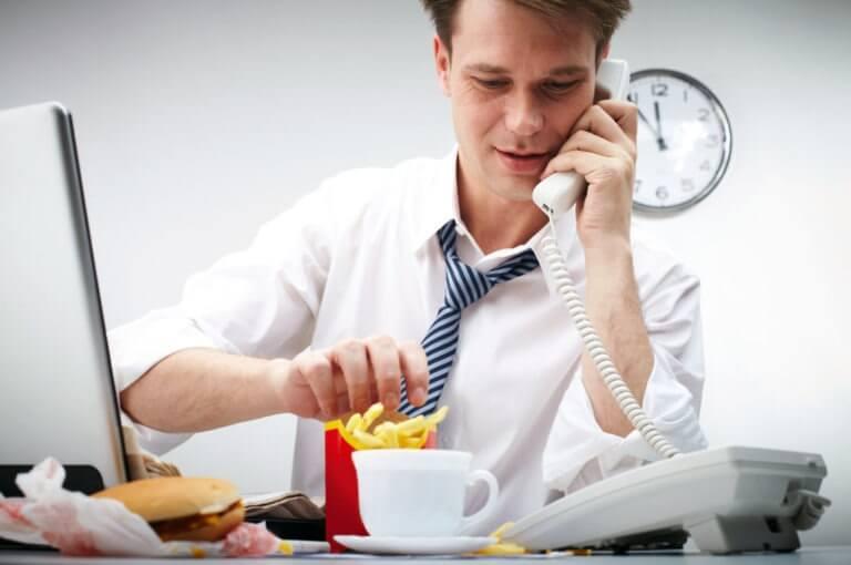 Los 10 hábitos más irritantes que puedes encontrar en tu lugar de trabajo