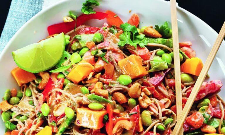 Recetas saludables de ensaladas con mucha proteína