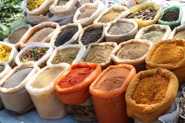 ¿Qué grupos de alimentos tiene la dieta india?