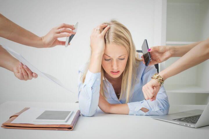 ¿Cómo lidiar con las interrupciones telefónicas?