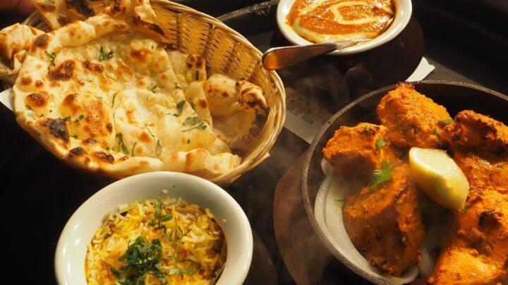 Consumir frecuentemente comida india estimula la pérdida de peso