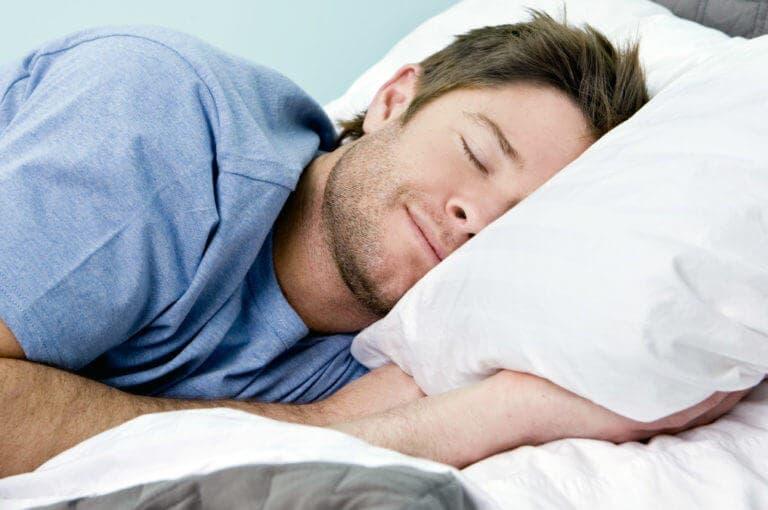Por qué no es necesario dormir 8 horas y qué hacer en lugar de eso