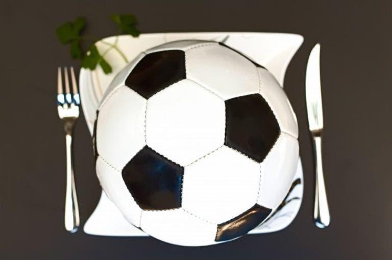 Ejemplo de dieta saludable para futbolistas en día de partido