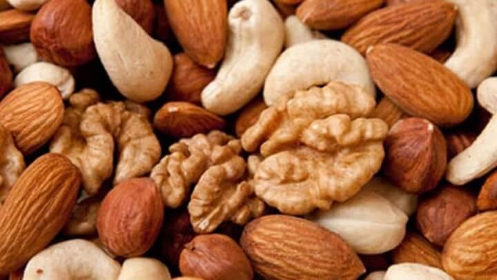 Frutos secos saludables para futbolistas