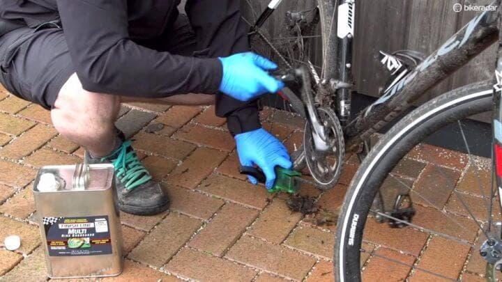 Cómo hacer una buena limpieza a una bicicleta