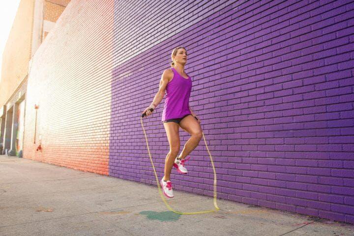 ¿Qué ejercicios ayudan a quemar más calorías?