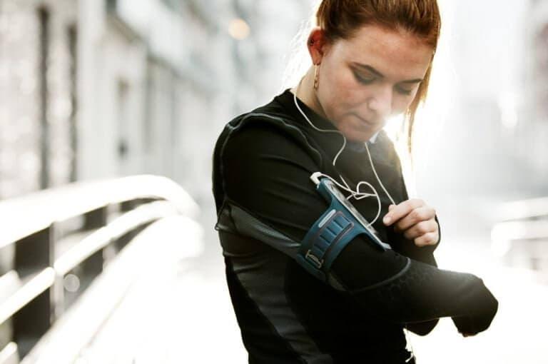 4 razones para dejar tus gadgets en casa cuando salgas a correr