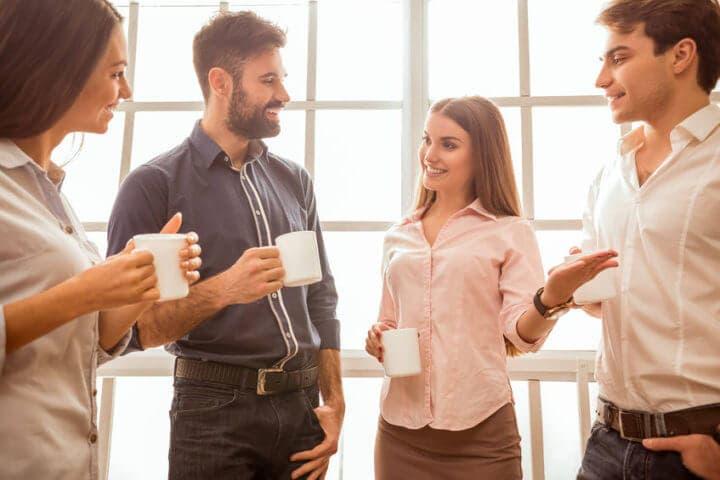 Técnicas para empezar a hablar con desconocidos