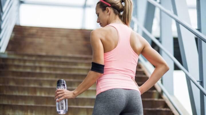 ¿Por qué nos fatigamos tanto tras subir escaleras?