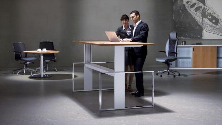 El escritorio para ponerse en forma en la oficina