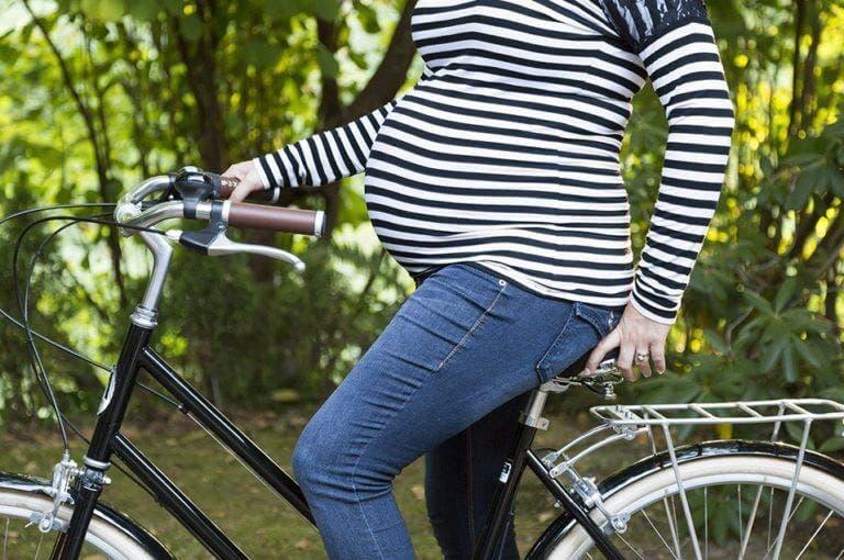 5 consejos para montar en bicicleta estando embarazada