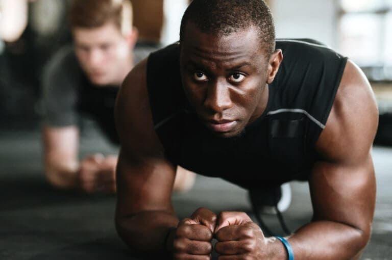 10 ejercicios duros con peso corporal para hacer dónde quieras