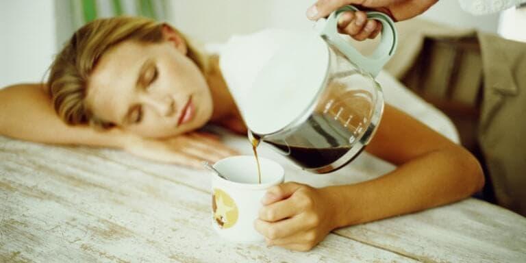 ¿Es eficaz tomar café antes de la siesta?