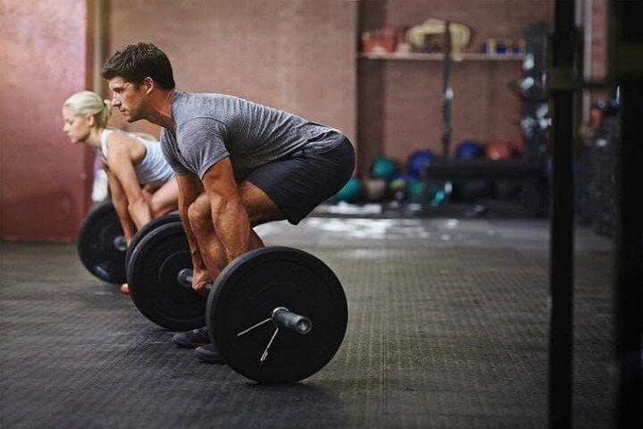 ¿Cómo se produce la hipertrofia muscular?