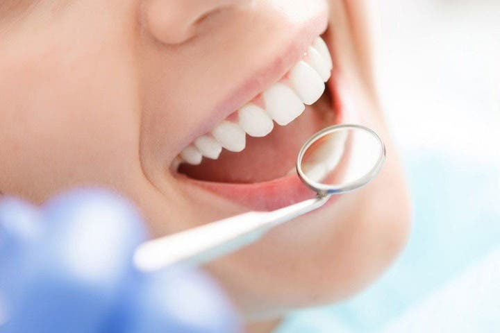 La vitamina K2 sirve para el crecimiento de la dentina