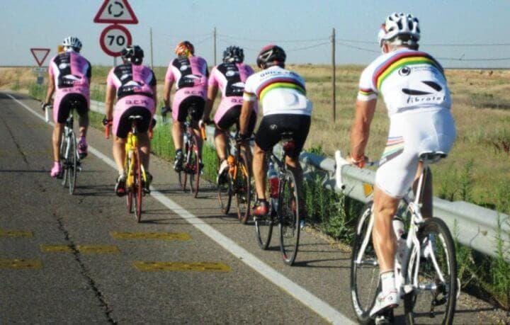 Normas que debes cumplir al entrenar ciclismo en grupo