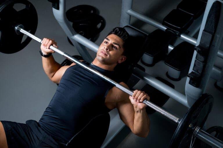 ¿cuántas series son necesarias hacer para construir músculo?
