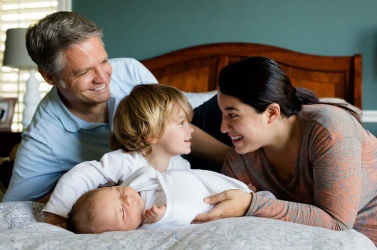 La salud infantil está más relacionada con la educación de sus padres que su nivel de ingresos