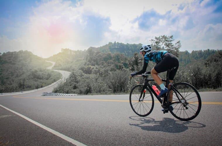 Cómo mejorar los entrenamientos matutinos de ciclismo
