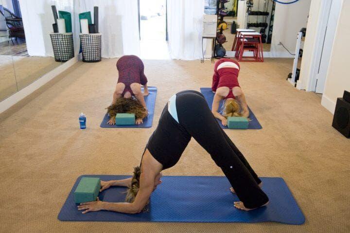 5 posturas de yoga para calmar la ansiedad