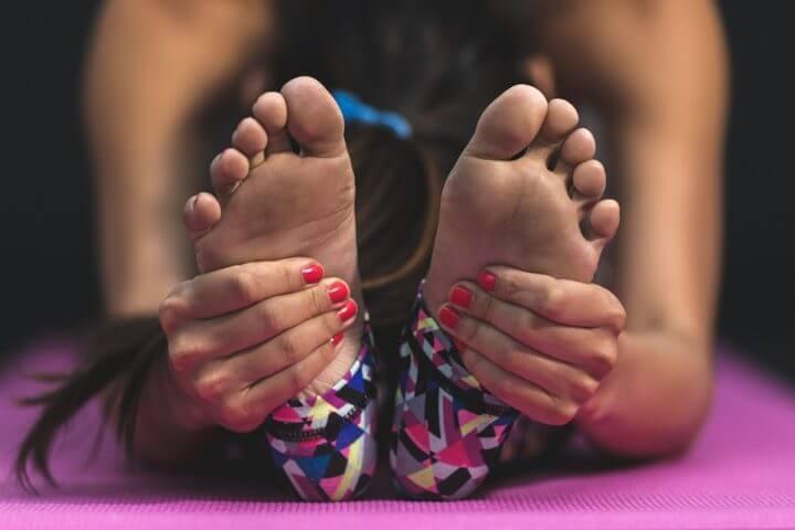 Posturas de yoga que calman la ansiedad