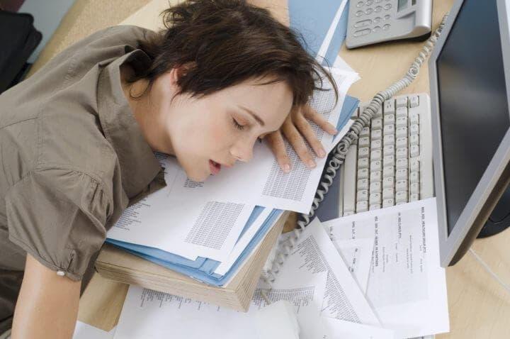 El cansancio constante puede ser causado por deficiencia de hierro