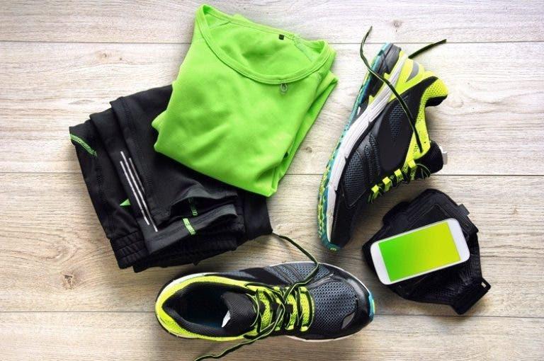 Cómo lavar y limpiar correctamente tu ropa de deporte