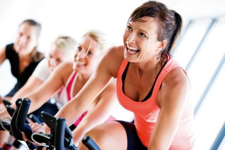 3 cosas que un ciclista puede hacer para aprovechar su clase de spinning