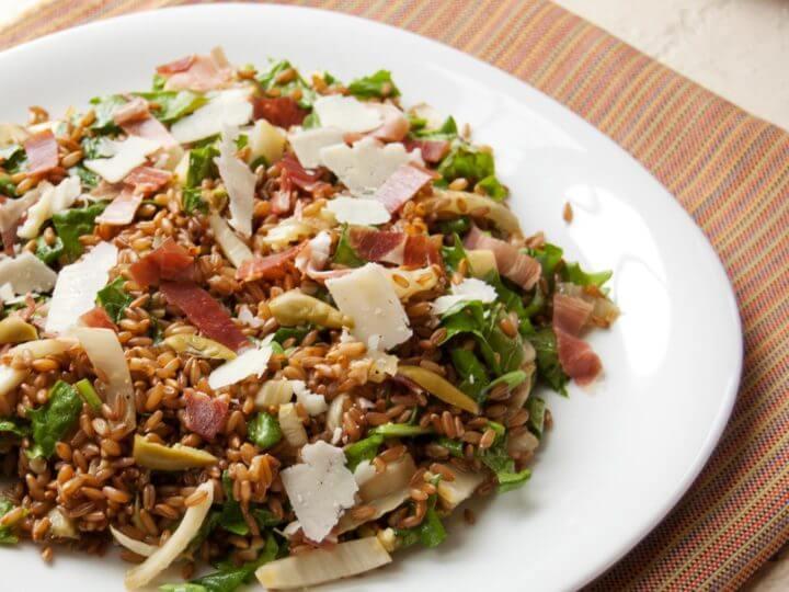 Topping de ensalada con granos integrales