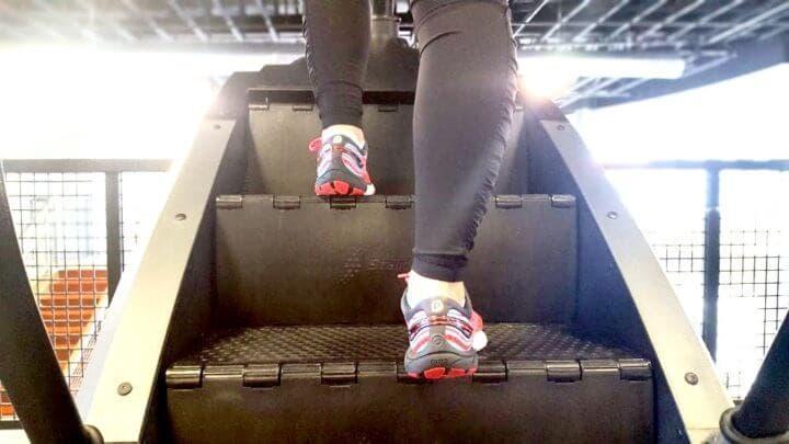 Las mejores rutinas de cardio en simuladora de escaleras