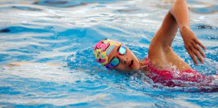 Movimientos para calentar antes de nadar