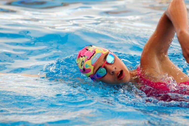 3 movimientos esenciales para calentar antes de nadar