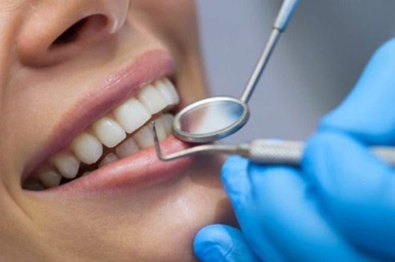 El alzheimer podría estar relacionado con una deficiente higiene oral