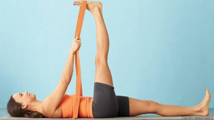 ¿Cómo estirar los músculos isquiotibiales?