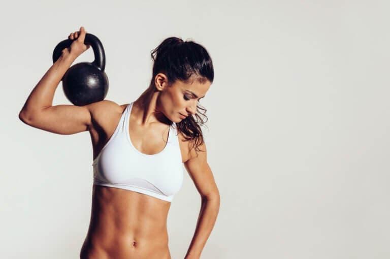 10 ejercicios para brazos para los cuáles no necesitas máquinas