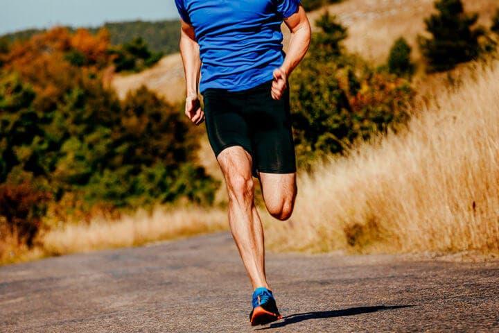 Movimientos laterales en la biomecánica al correr