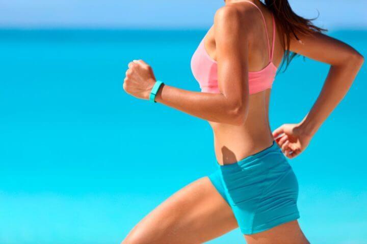 Evitar la rotación de los hombros al correr