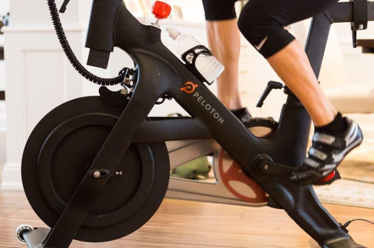 La bicicleta peloton puede llevar las clases de spinning a tu casa