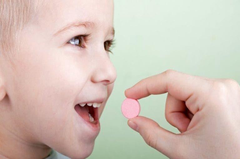 ¿qué vitaminas necesitan los niños tomar en mayor cantidad?