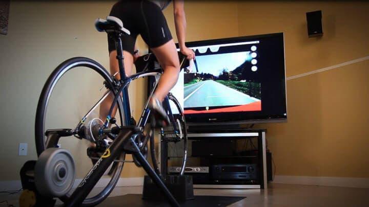 App y bicicleta Peloton para practicar ciclismo en casa