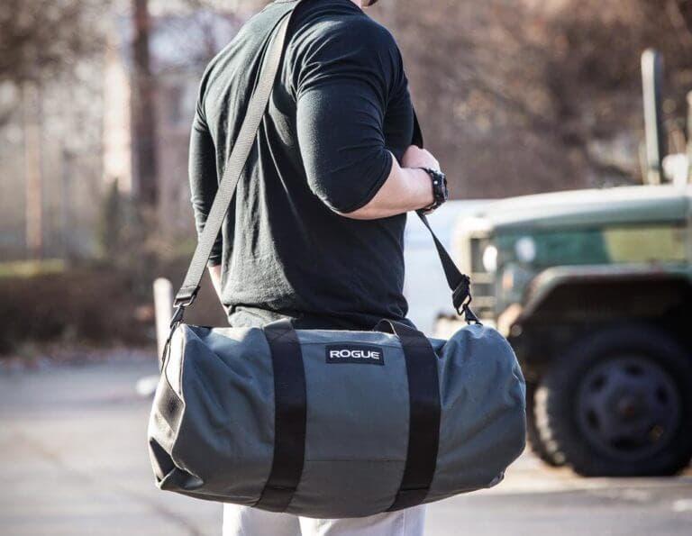5 cosas que debes llevar en tu mochila de gimnasio