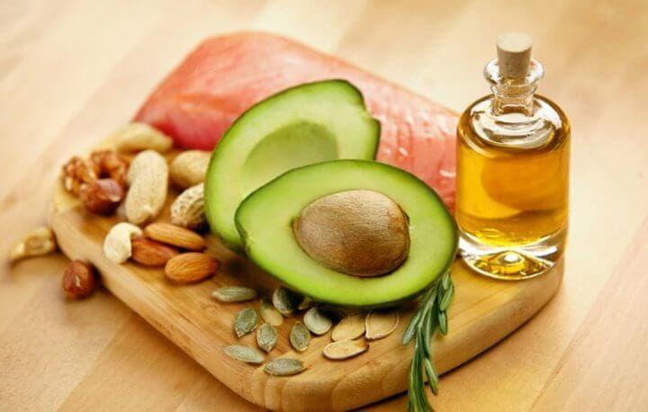 Puedes añadir grasas saludables a una ensalada