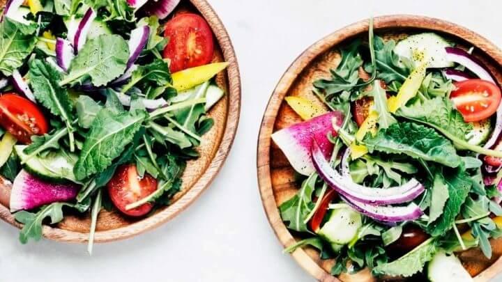 Desayunar ensaladas te ayuda a bajar de peso
