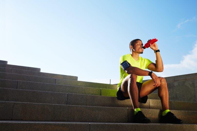 Errores que se cometen en el triatlón al reponer energías