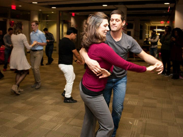 Los bailes de salón ayudan a conseguir unas piernas fuertes